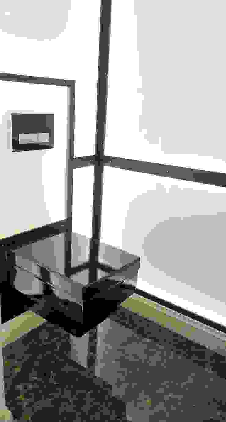 モダンスタイルの お風呂 の Beate Hoos interior design モダン