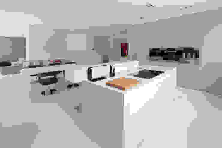 Cozinhas modernas por HI-MACS® Moderno