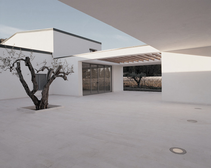 Minimalistischer Balkon, Veranda & Terrasse von ONSITESTUDIO Minimalistisch