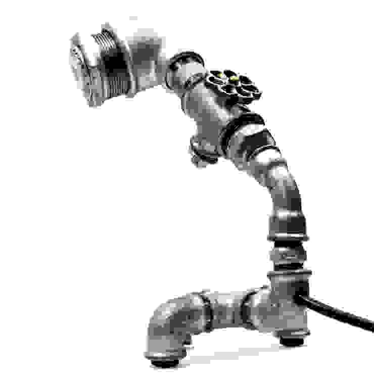 FLOR:  de estilo industrial de Mckorr Lamps, Industrial