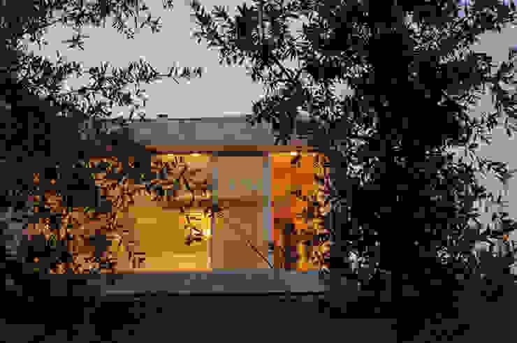 Casa Doppia Case moderne di iodicearchitetti Moderno