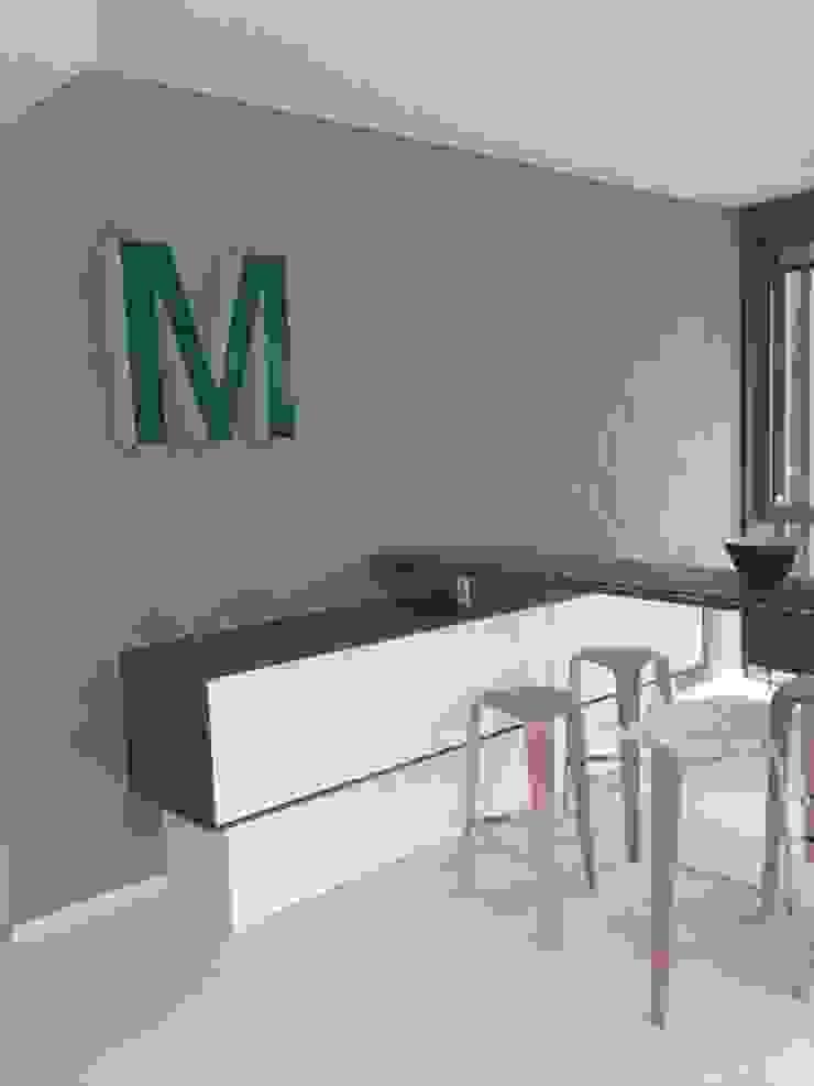 Beton Akzentwand Ausgefallene Geschäftsräume & Stores von Jakob Messerschmidt GmbH - Malerfachbetrieb Ausgefallen