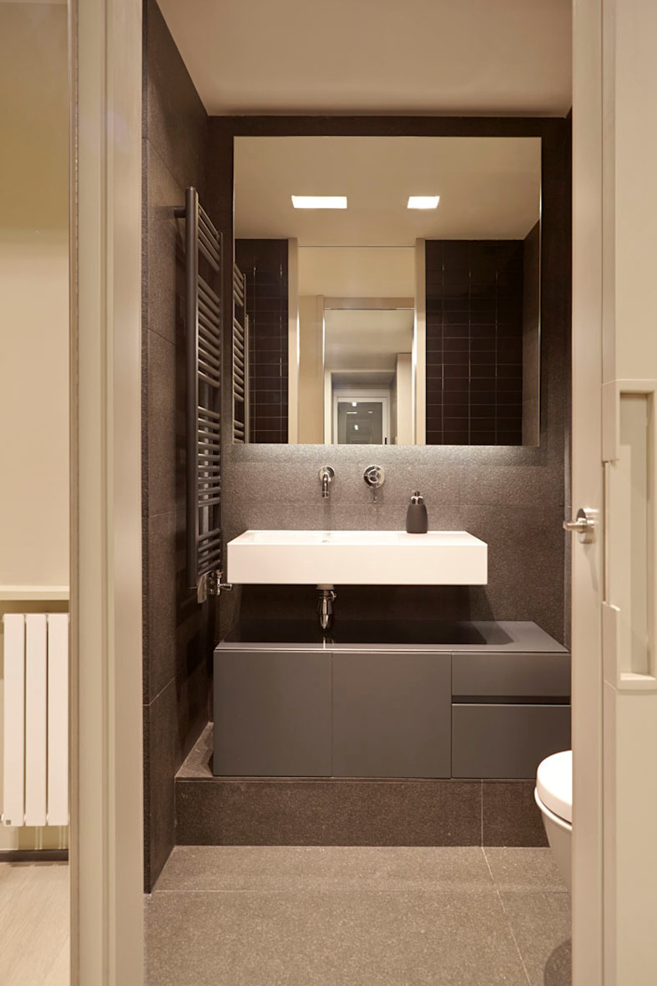 Coblonal Arquitectura Modern style bathrooms