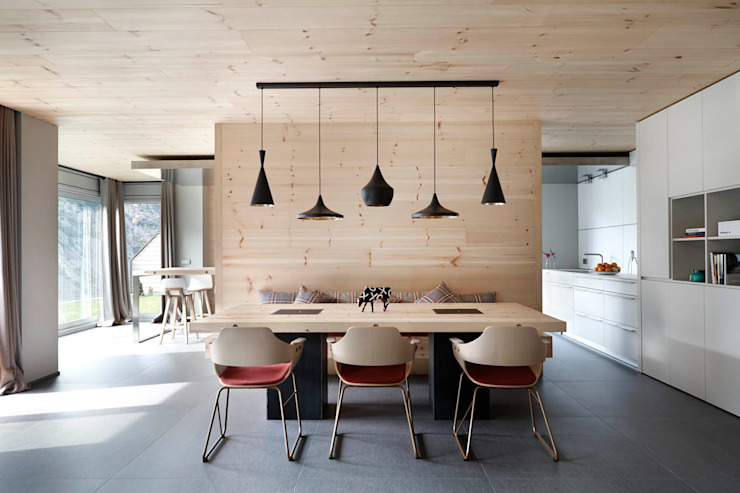 Scandinavian style dining room by Coblonal Arquitectura Scandinavian