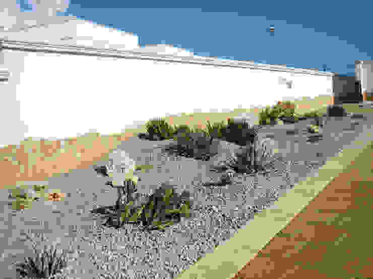 Taman Gaya Mediteran Oleh Au dehors Studio. Architettura del Paesaggio Mediteran
