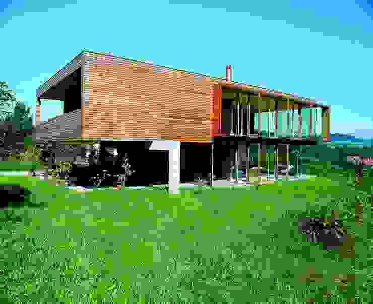 Hochbuch k-m architektur Moderne Wohnzimmer
