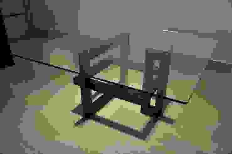 IOS - Mesa cuadrada de vidrio de homify Moderno
