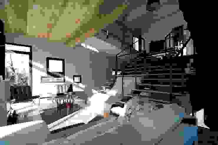 Industriale Wohnzimmer von Fabio Barilari Architetti Industrial