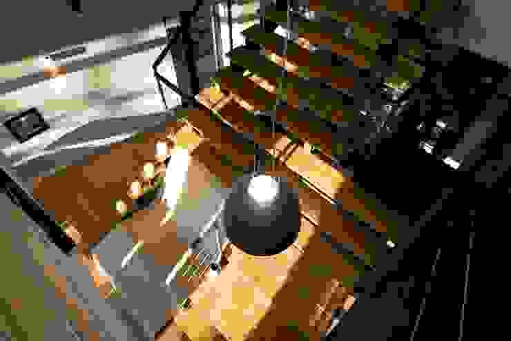Industrialer Flur, Diele & Treppenhaus von Fabio Barilari Architetti Industrial