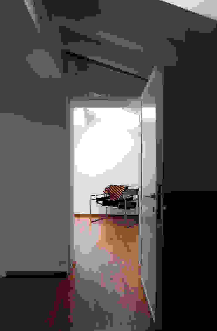XX settembre Ingresso, Corridoio & Scale di écru architetti