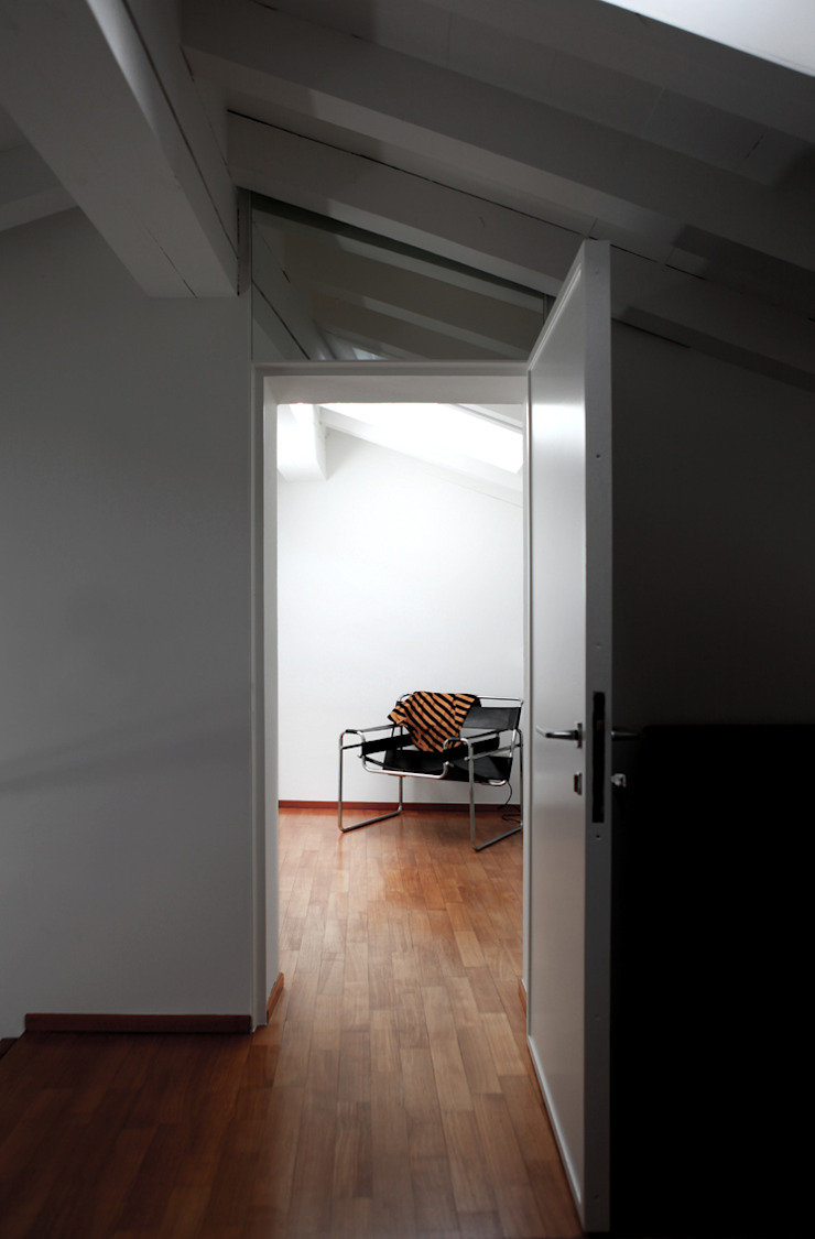 Gang, hal & trappenhuis van écru architetti