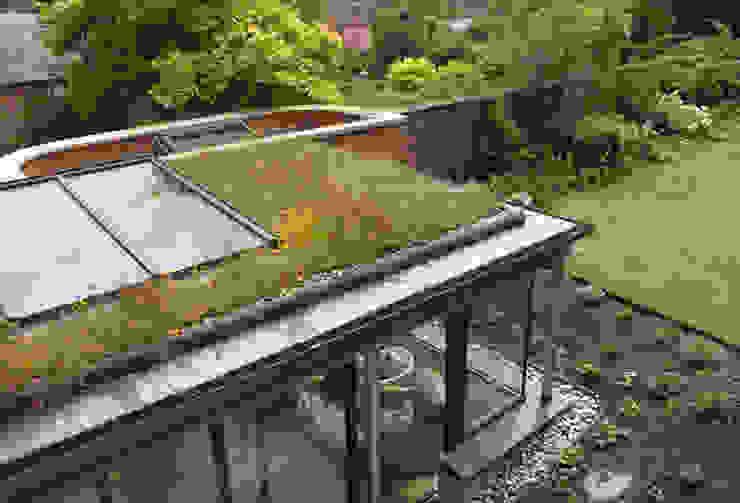 Kingsbury Croft:  Houses by Designscape Architects Ltd,