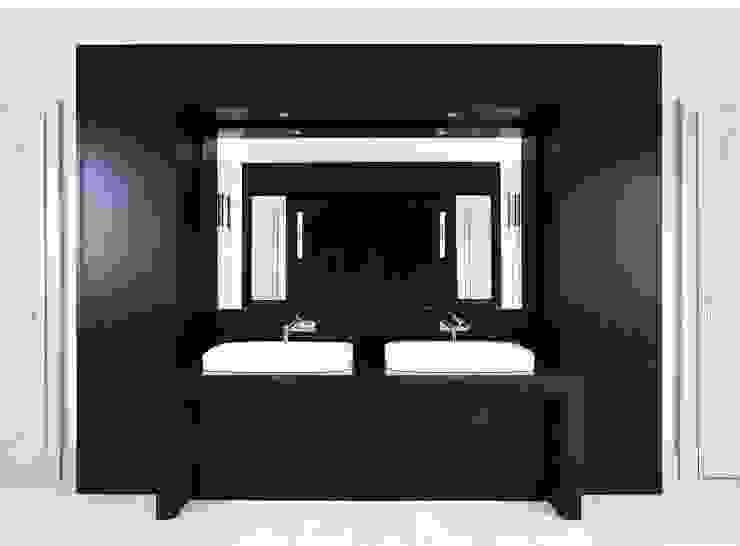 Bellevue zum Schloss - Villa mit Seitenflügeln und Hof Klassische Badezimmer von CG VOGEL ARCHITEKTEN Klassisch