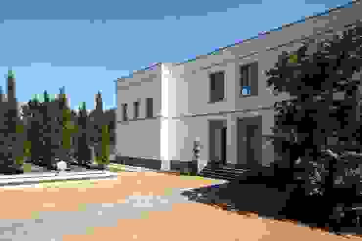 Bellevue zum Schloss - Villa mit Seitenflügeln und Hof Klassische Häuser von CG VOGEL ARCHITEKTEN Klassisch