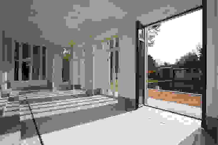 Den Himmel im Haus - Residenz mit zentralem Lichthof Klassische Esszimmer von CG VOGEL ARCHITEKTEN Klassisch