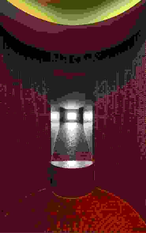Die Dusche im Masterbad ist geräumig und hat eine ovale Form Klassische Badezimmer von CG VOGEL ARCHITEKTEN Klassisch