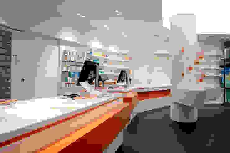 Modern offices & stores by Biesel - Innenausbau, Schrankwände & barrierefreies Wohnen GmbH Modern