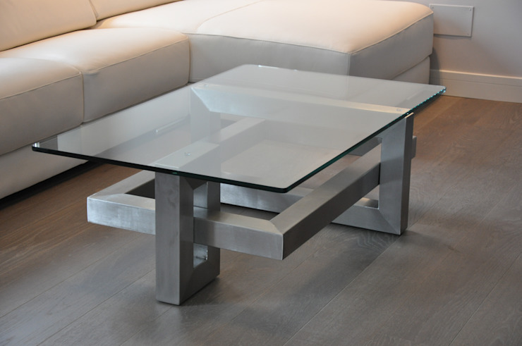 IOS - Table basse contemporaine en acier par homify Moderne