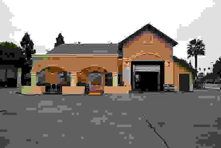 Long Beach Car Wash Centros comerciales de estilo rústico de Erika Winters® Design Rústico