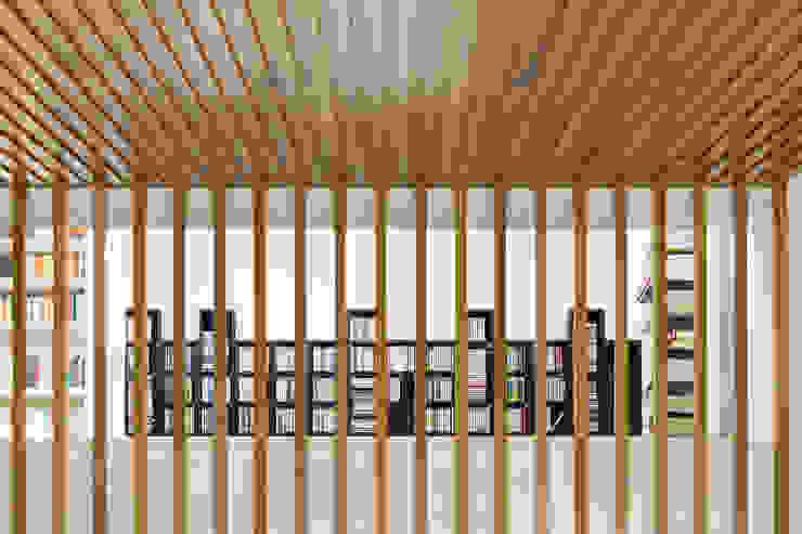 Salas modernas de Luca Girardini - Photos Moderno