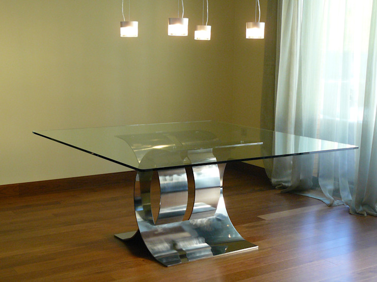 CARLOVI CRUZADA - Mesa de comedor de GONZALO DE SALAS Moderno