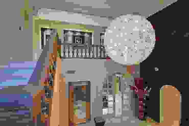 Entrada Pasillos, vestíbulos y escaleras de estilo ecléctico de Ambience Home Design S.L. Ecléctico