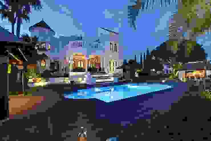 Piscina Piscinas de estilo ecléctico de Ambience Home Design S.L. Ecléctico