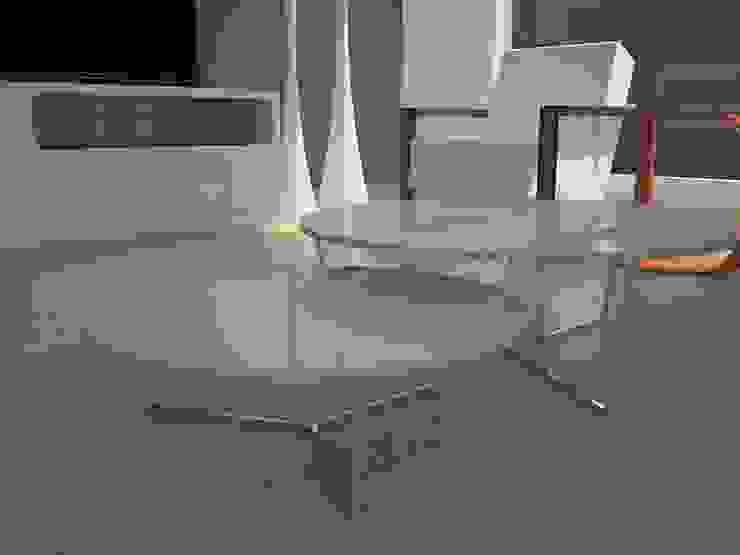 Maravillosas mesas de centro. Comedores de estilo moderno de MUMARQ ARQUITECTURA E INTERIORISMO Moderno