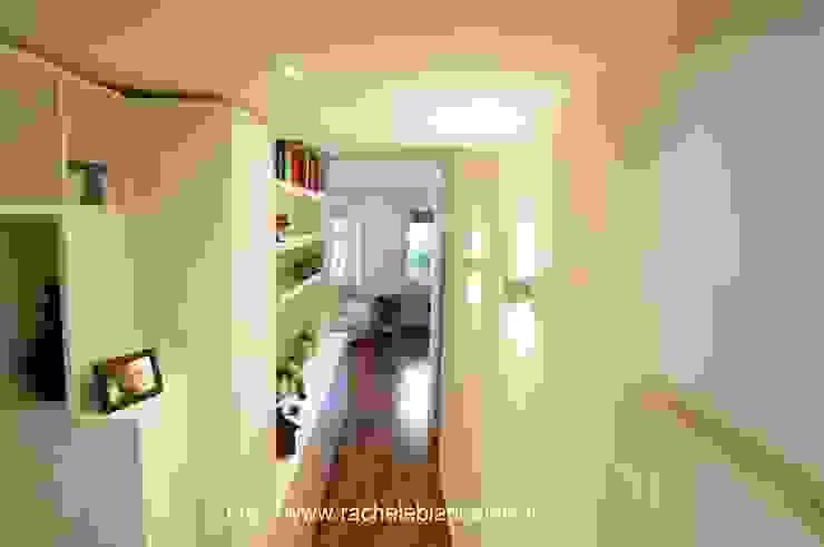 Gianicolo - Rome Ingresso, Corridoio & Scale in stile moderno di Rachele Biancalani Studio Moderno