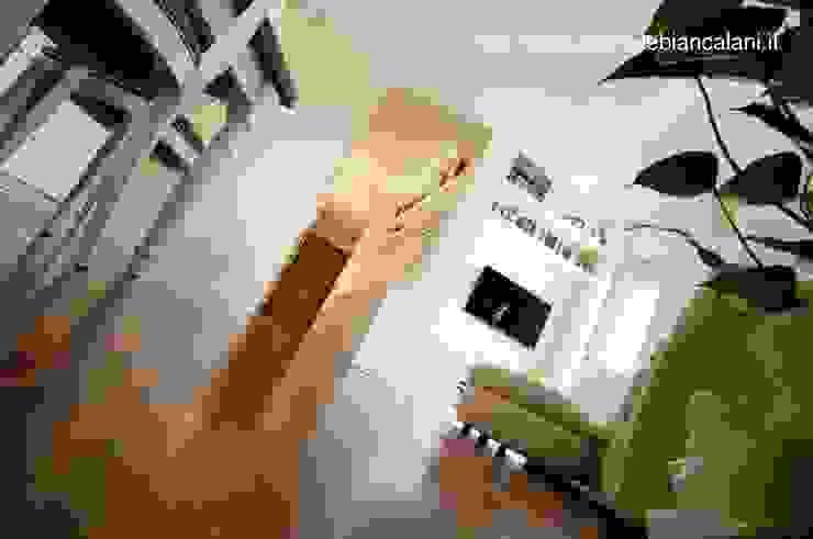 Modern living room by Rachele Biancalani Studio Modern