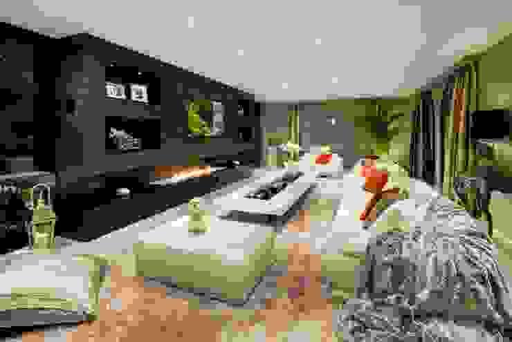El Madroñal Salones de estilo ecléctico de Ambience Home Design S.L. Ecléctico