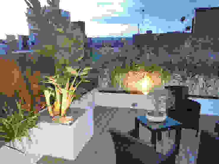 Naturalgreen Jardiners 陽台、門廊與露臺 照明