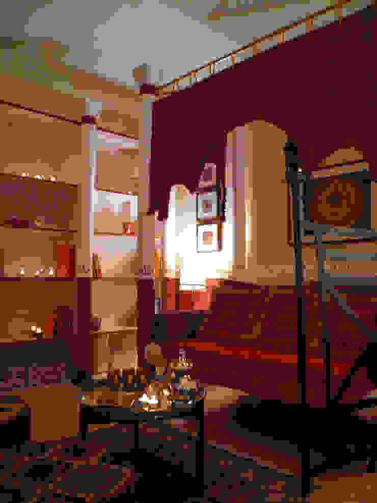 에클레틱 거실 by Innenarchitektin Claudia Haubrock 에클레틱 (Eclectic)