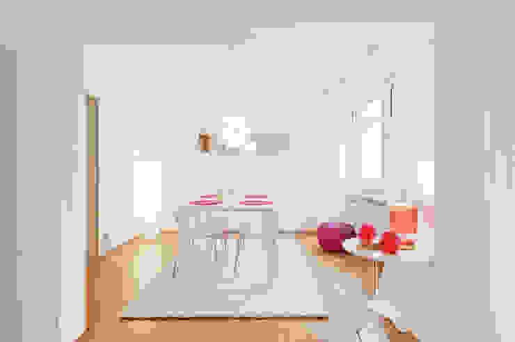 Phòng ăn: Thiết kế nội thất · bố trí · Ảnh bởi raumwerte Home Staging