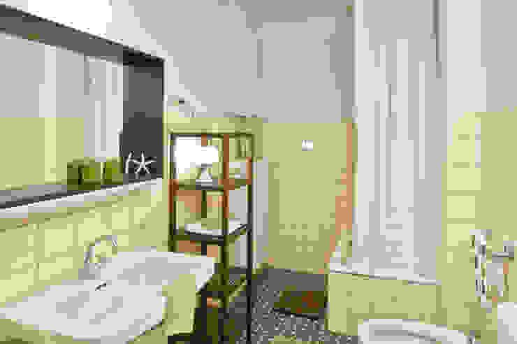 Phòng tắm: thiết kế nội thất · bố trí · ảnh bởi raumwerte Home Staging