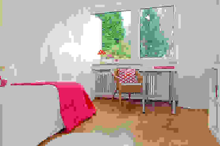 Home Staging Erbimmobilie Siebziger Jahre Kinderzimmer von raumwerte Home Staging