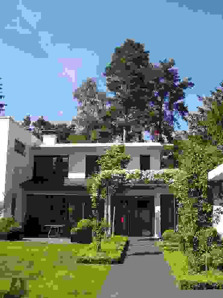 Designergarten Moderner Garten von L-A-E LandschaftsArchitektur Ehrig & Partner Modern