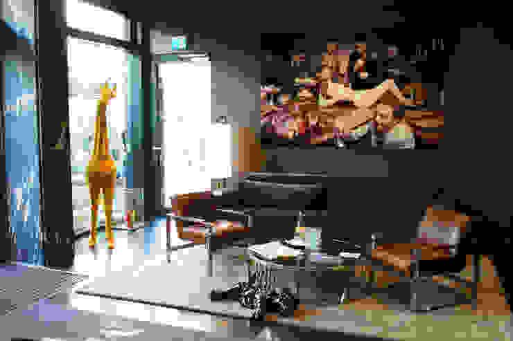 Baby Giraffe & Baby Lion von ZOOZOO friends for life Minimalistisch Kunststoff Braun