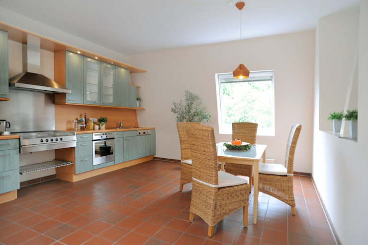 WELLHAUSEN Immobilien Styling Rustic style kitchen
