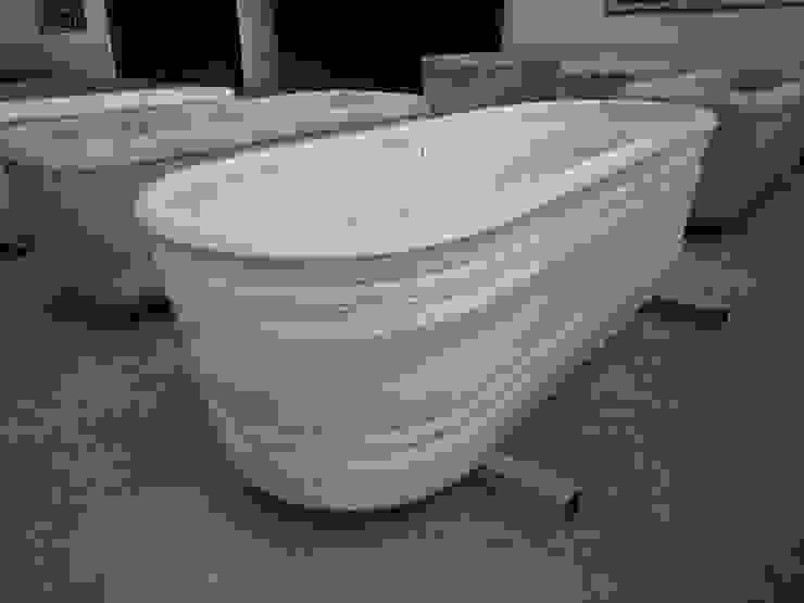 Antigua bañera de mármol torneada. de Anticuable.com Ecléctico Mármol
