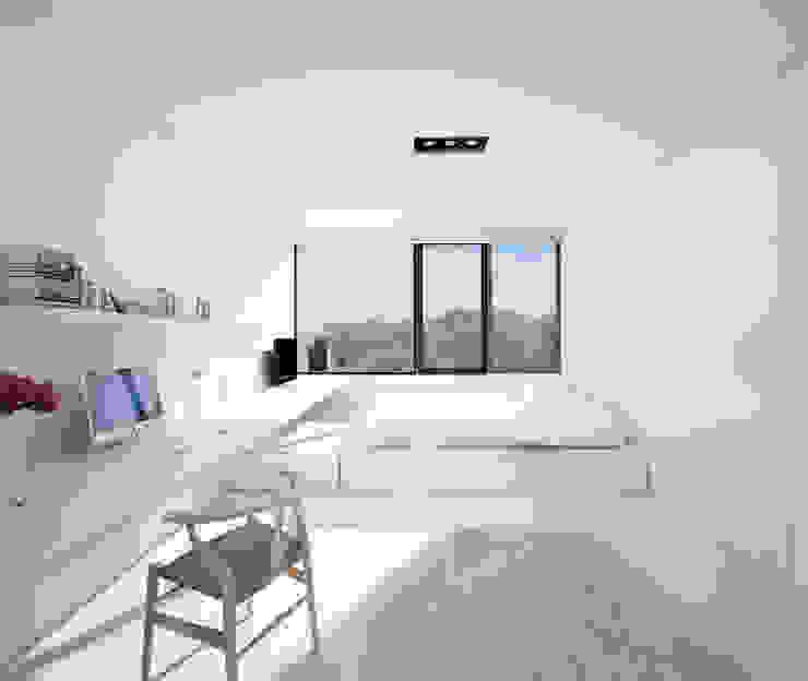 Quartos  por DUE Architecture & Design, Moderno
