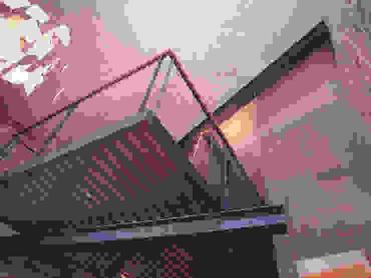 Paredes y pisos de estilo industrial de Fabio Barilari Architetti Industrial