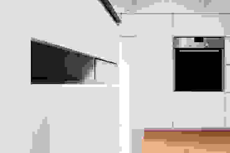 โดย BESPOKE GmbH // Interior Design & Production ชนบทฝรั่ง