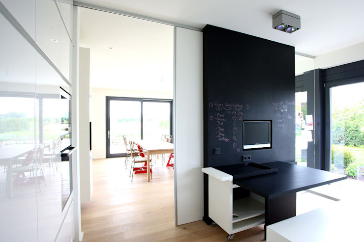 modern  by KUHN GmbH, Modern