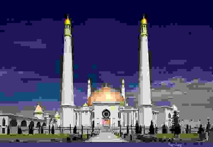 Moschea Kiptchak / Turkmenistan Hotel in stile mediterraneo di decor srl Mediterraneo