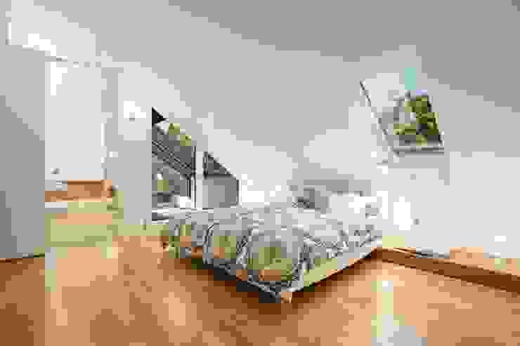 Camera da letto in stile classico di innenarchitektur-rathke Classico