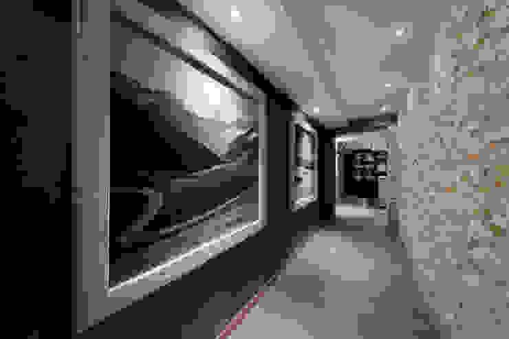 Hotel La Torretta – Spa Il Cirmolo Spa moderna di Studio D73 Moderno