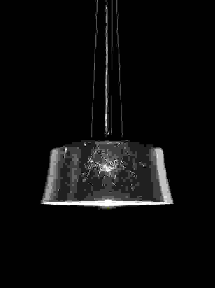 Mauro:  de estilo industrial de Luz Difusion, Industrial