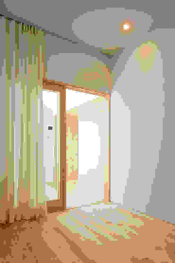 春光の家 モダンスタイルの寝室 の 一色玲児 建築設計事務所 / ISSHIKI REIJI ARCHITECTS モダン