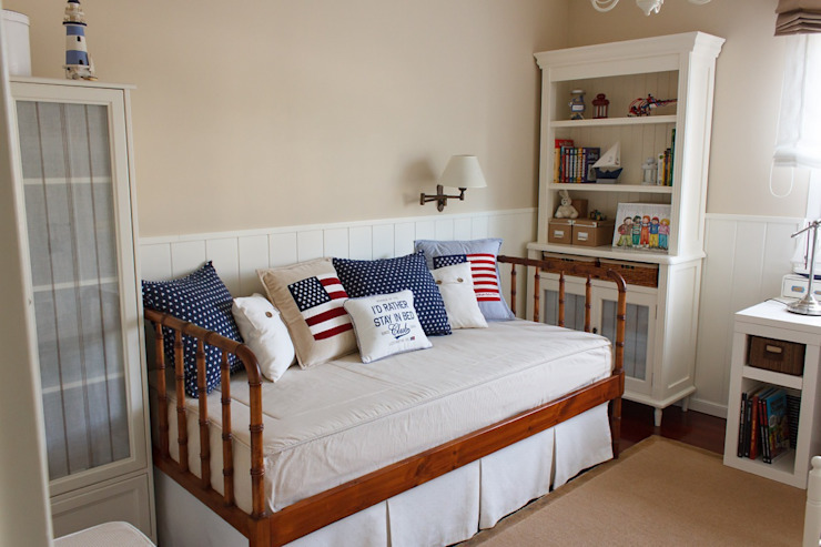 Classic style bedroom by Dec&You Classic